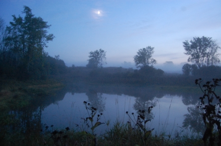 misty-pond-at-night-in-early-autumn[1]